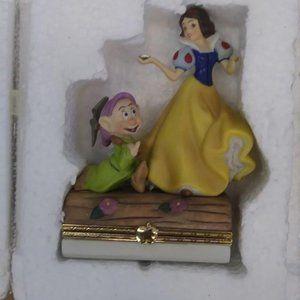Disney Snow White & The Seven Dwarfs Limoge Box